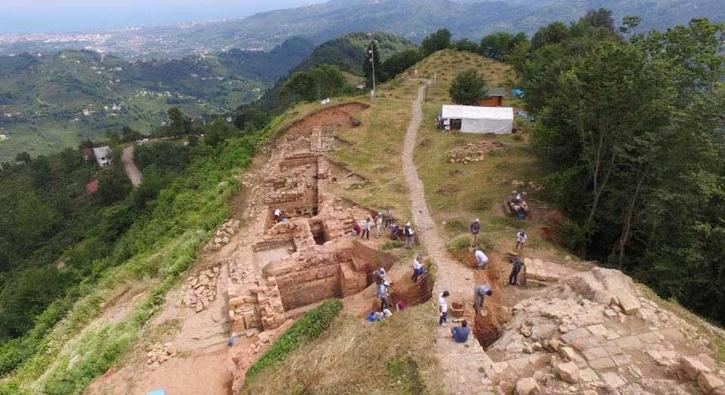 2 bin 300 yıllık kalede kazılar yeniden başladı