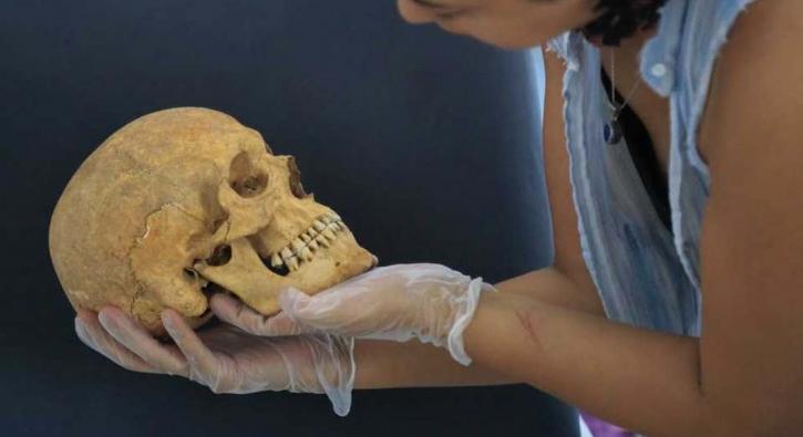 Arkeologlar '2 bin 200 yıllık beyin ameliyatı' izlerini buldu