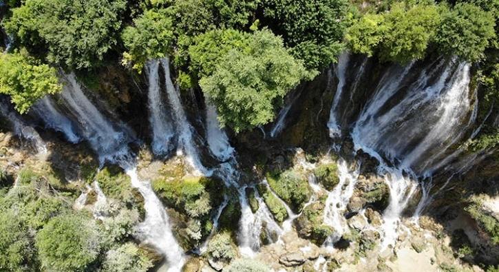9 ayrı kaynak suyunun birleşmesiyle oluştu... Görenleri büyülüyor