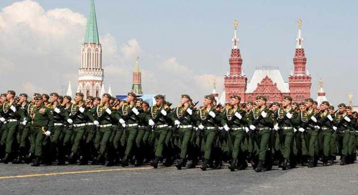 Rusya'da 'Zafer Bayramı' gösterisi
