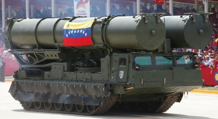 Venezuela olası ABD saldırısına karşı S-300'leri aktifleştirdi