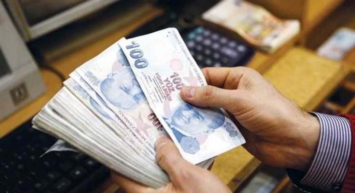 Bankalar yarışa girdi: Emekliye 700 TL