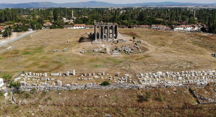 Roma dönemine ait! Mezar taşına ne yazmışlar?