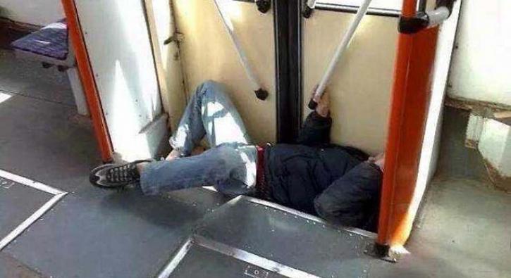 Toplu taşımadaki en garip yolcular!
