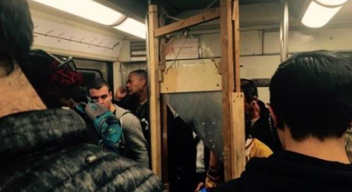 Dünyanın en ilginç metro yolcuları