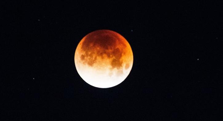 21'inci yüzyılın en uzun 'Kanlı Ay Tutulması' için geri sayım