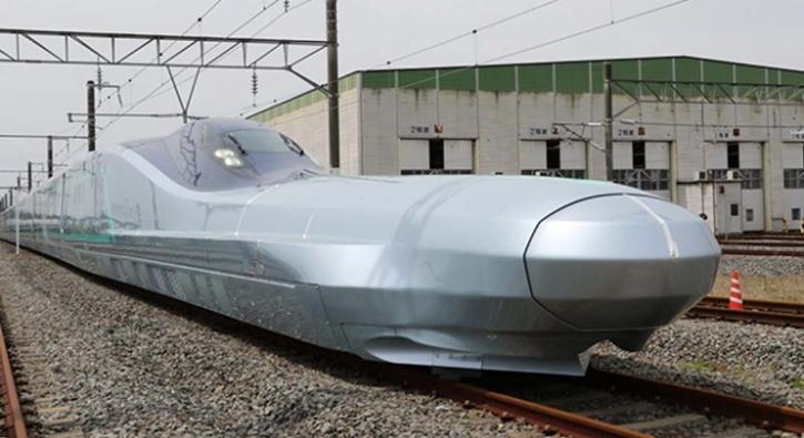 Japonya en hızlı 'mermi tren'i test ediyor