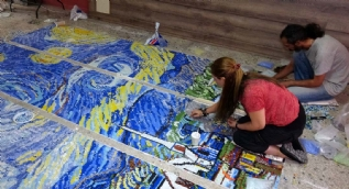 Van Gogh'un ünlü eseri mozaik tabloya dönüşüyor
