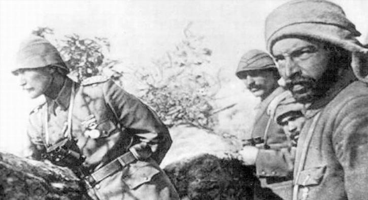 Afrin'deki Mehmetçik'ten Atatürk pozu