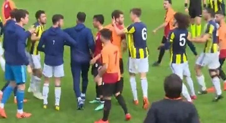 Fenerbahçe - Galatasaray derbisinde yumruklar konuştu!
