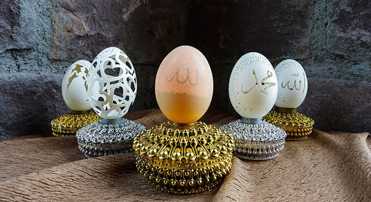 Yumurta kabuğunda 8 bin 400 delik açtı