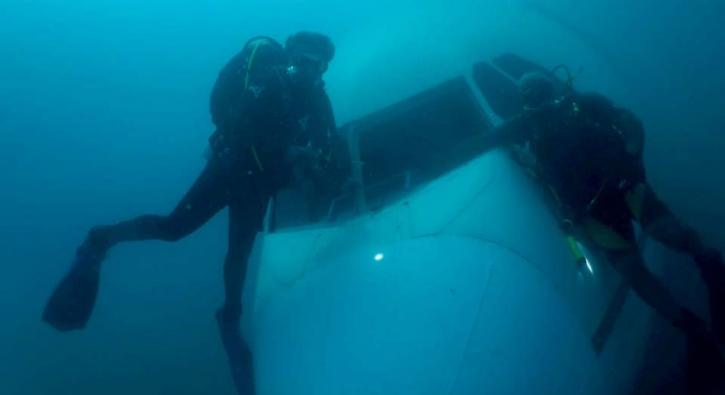 Dalgıçlar tarafından deniz dibinde görüntülendi