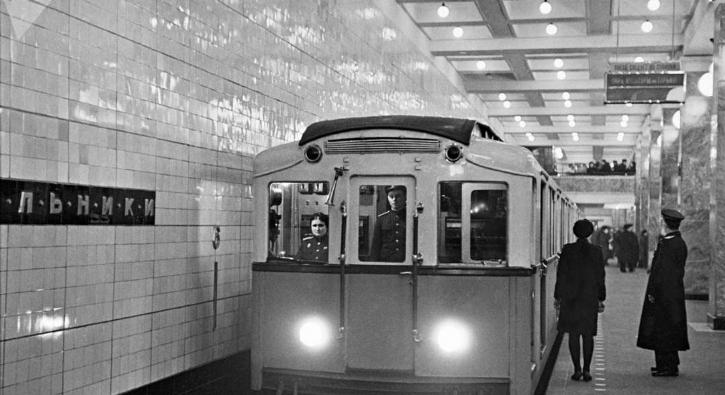 Moskova metrosunda zaman yolculuğu...