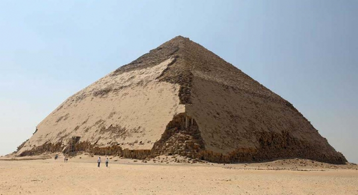 Mısır'ın en gizemli piramidi ziyarete açıldı!