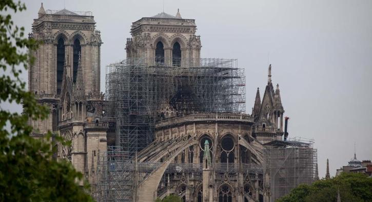 Yangının ardından 'Notre Dame Katedrali'