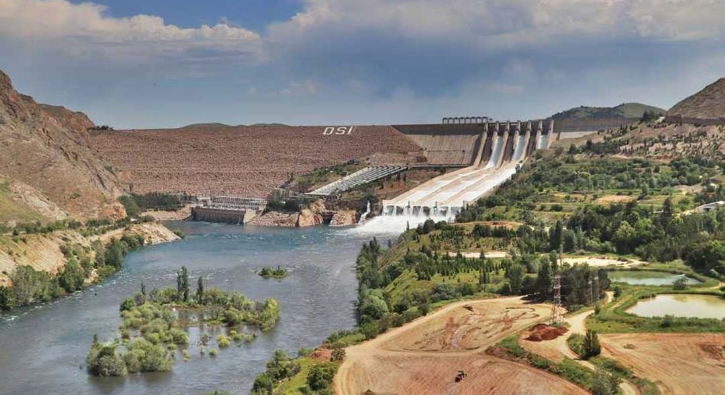 Keban Barajı'nda 15 yıl sonra ilk, çok sayıda vatandaş şahitlik etti