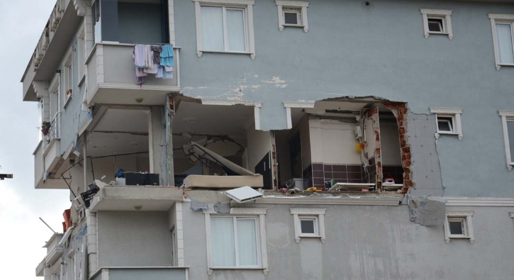 Patlamanın yaşandığı bina havadan görüntülendi