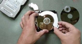 Bilgisayar hard diskini öyle bir şeye çevirdi ki inanamazsınız