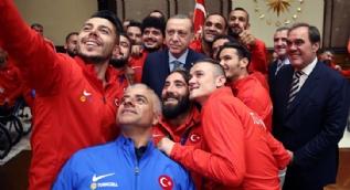 Ampute Futbol ile Tekerlekli Sandalye Basketbol A Milli Takımı Cumhurbaşkanı'nın misafiriydi