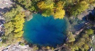 Suyunun rengi ve eşsiz doğası ile görenleri hayran bırakıyor