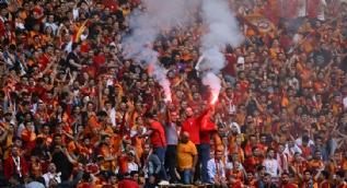 Galatasaray, 21. şampiyonluğunu büyük bir coşkuyla kutladı