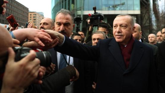 Berlin'de Başkan Erdoğan'a sevgi gösterisi