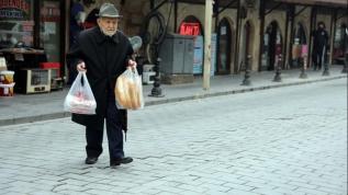 İyiliğe adanmış bir ömür: 'Topla Dağıt Dinsin Ağıt'