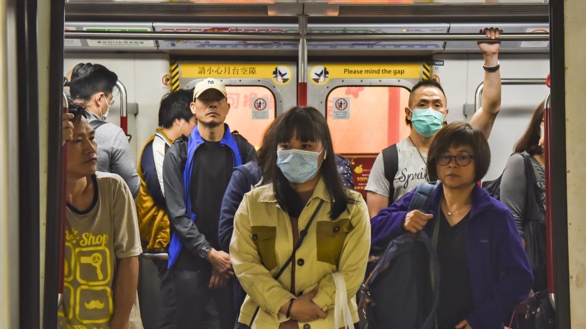 Çin'deki salgın nedeniyle toplu taşıma durduruldu