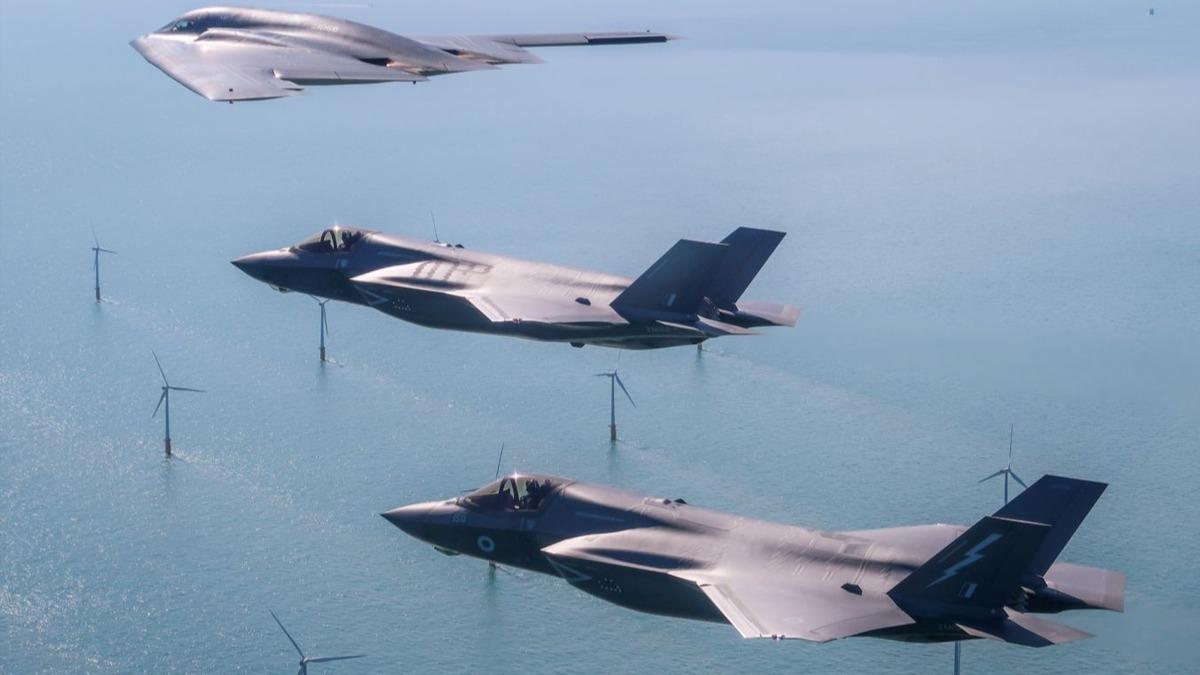 Yeni savaş stratejisi: ABD aynı anda 2 süper güçle nasıl savaşabilir?