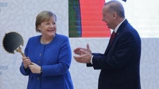 Başkan Erdoğan, Merkel'e el yapımı ayna hediye etti