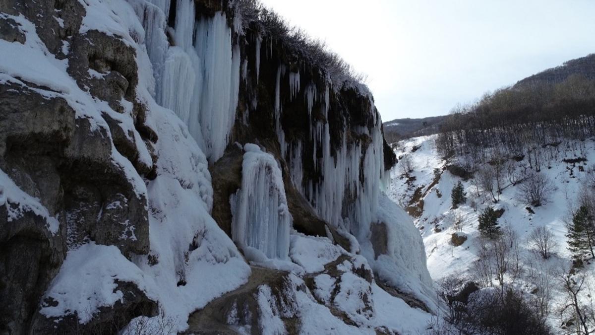 Sivas'ta şelale bile dondu, ortaya bu görüntüler çıktı
