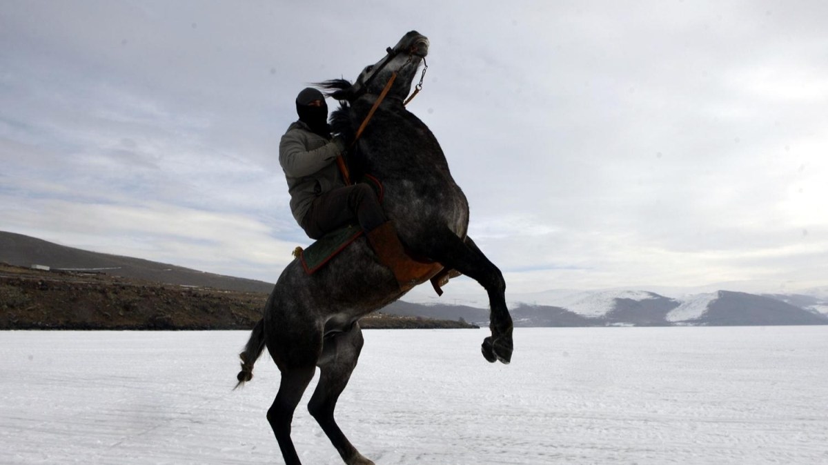 Çıldır Kristal Göl Uluslararası Kış Şöleni için hazırlıklar başladı