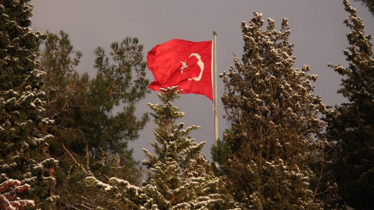 İstanbul'da kar yağışı kartpostallık manzaralar oluşturdu