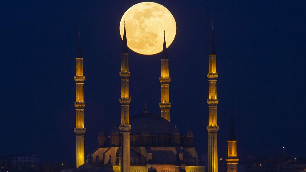 2020'nin ilk Süper Ay'ı Türkiye'den böyle görüntülendi