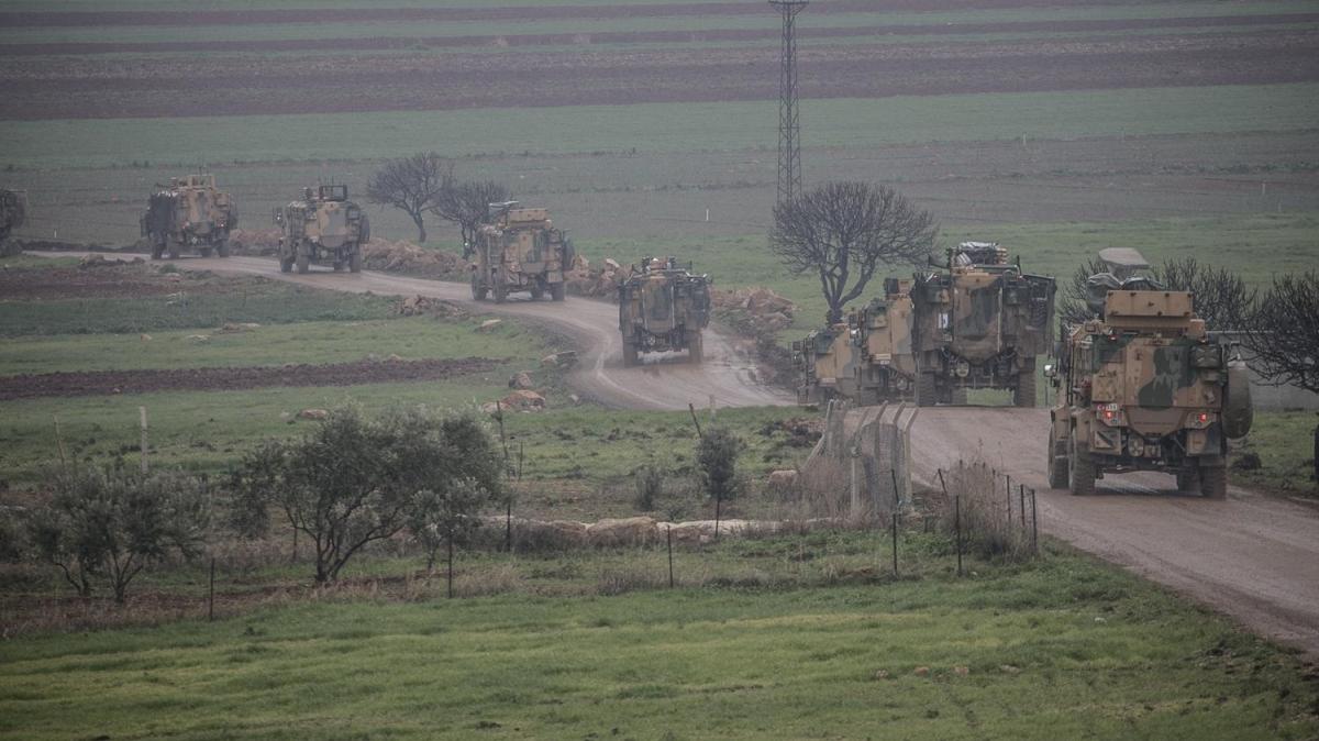 Sınıra çok namlulu roketatarlar, İdlib'e komando takviyesi!