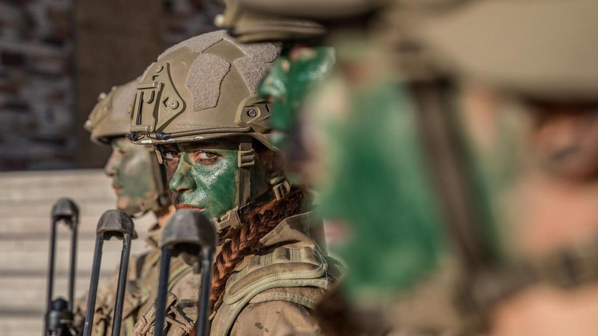Türkiye'nin ilk kadın komando astsubayları göreve hazır