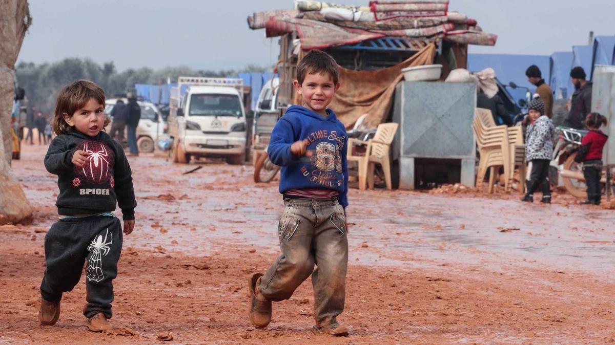 Suriye'de rejim bombardımanından kaçanların umudu Erdoğan
