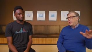 Bill Gates, ilk elektrikli otomobilini açıkladı