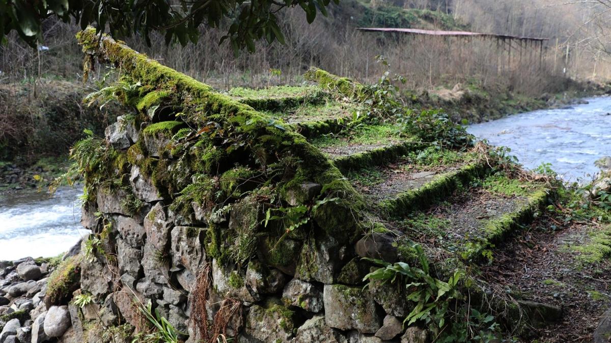 19'uncu yüzyılda inşa edilmişti! Tarihi köprü yıkıldı