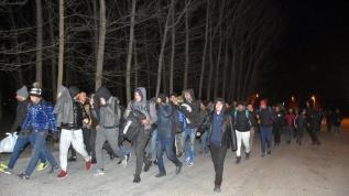Mülteciler akın akın Avrupa sınırına ilerliyor