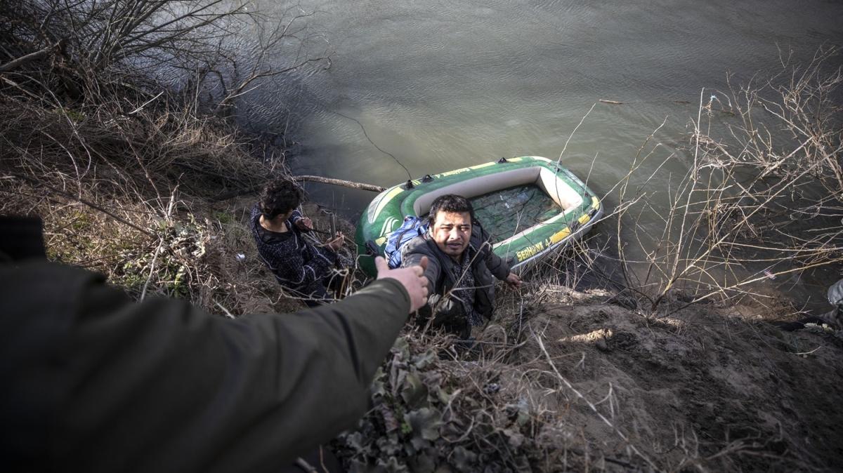 İmdatlarına AFAD yetişti! Düzensiz göçmenler Meriç Nehri'ni aşmaya çalışıyor