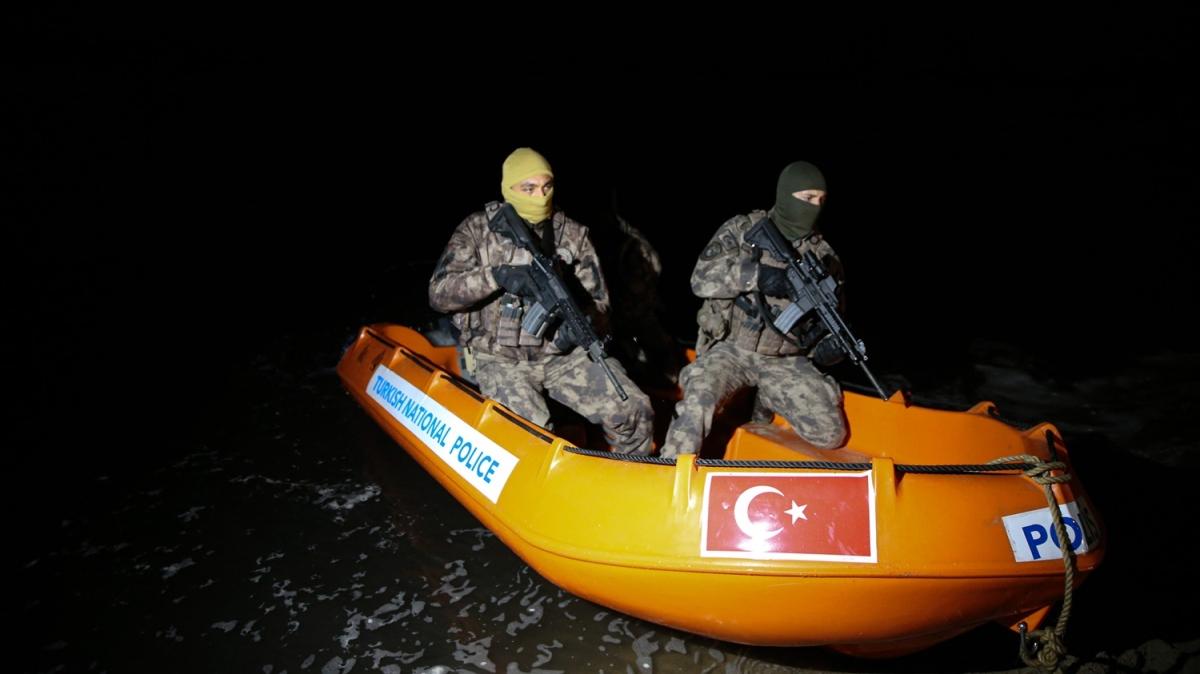 Özel Harekat Yunan sınırında gece gündüz devriyesini sürdürüyor