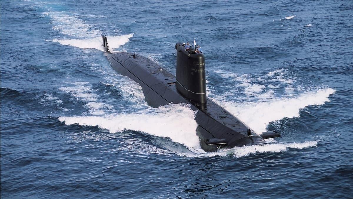Yunan basınında Türk denizaltı şaşkınlığı: Benzeri görülmedi