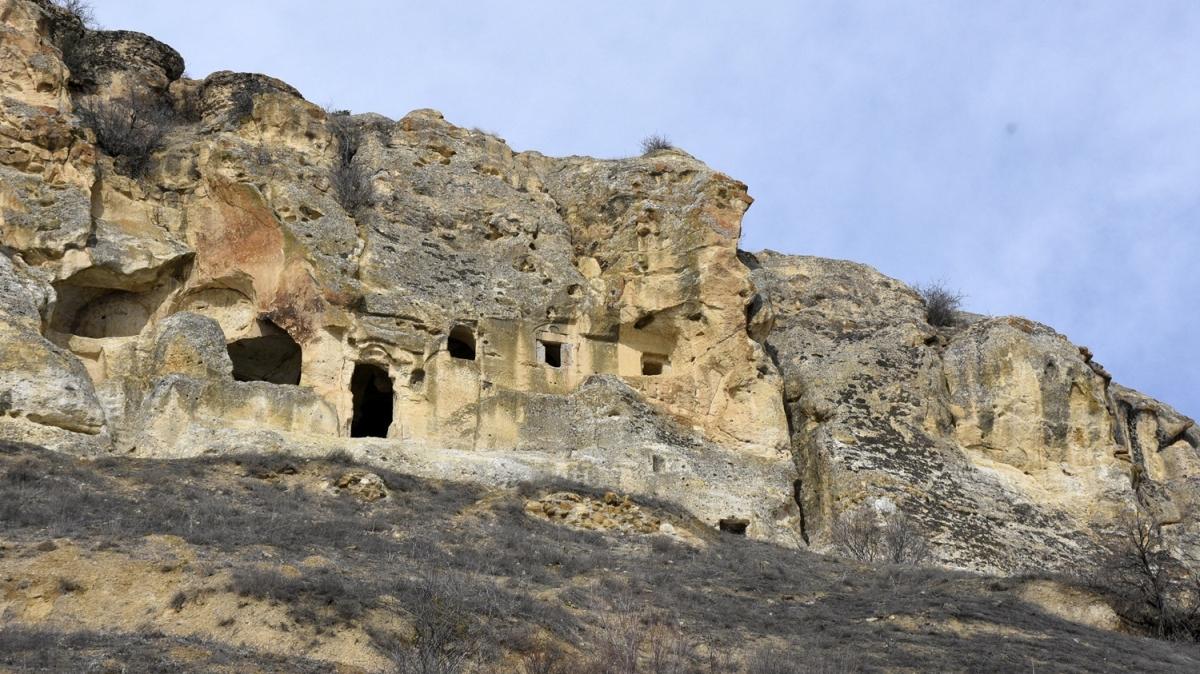 13'üncü yüzyılda inşa edildi... Farklı dönemlerin izlerini taşıyor