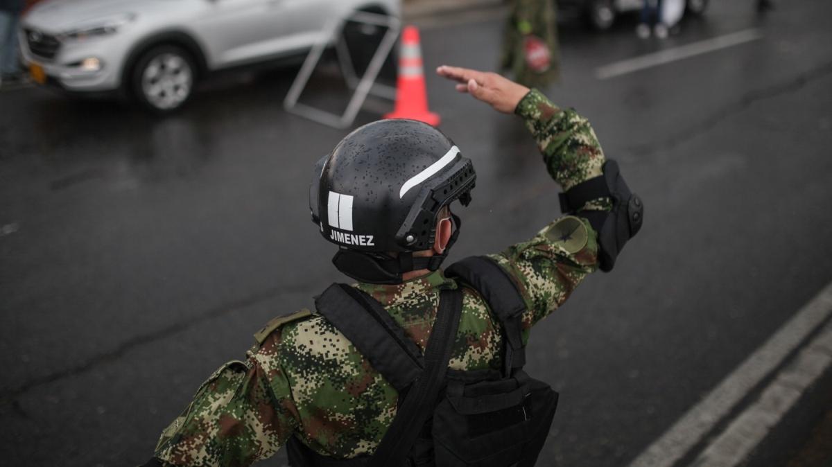 Kolombiya'da genel karantina uygulanmaya başlandı