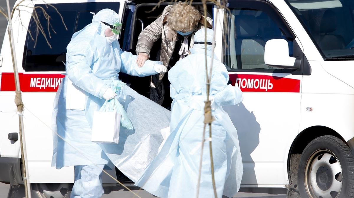 Rusya'da Kovid-19 nedeniyle iki kişi hayatını kaybetti