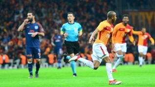 Galatasaraylı oyuncudan flaş iddia: 'Ligler ertelenmeseydi, maça çıkmayacaktık'