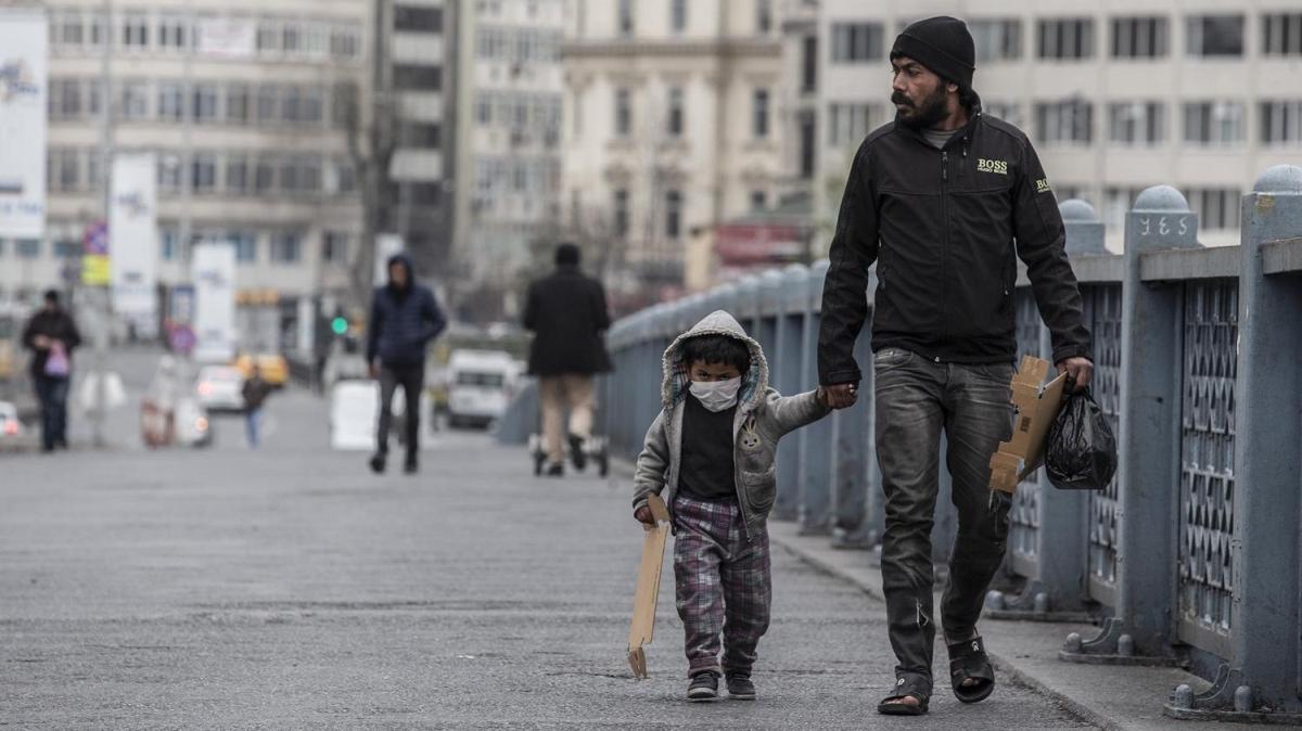 İstanbul'da vatandaşların koronavirüs önlemleri