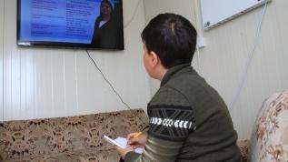 Elazığlı depremzede öğrenciler, konteyner evlerinde derslerini işlemeye başladı