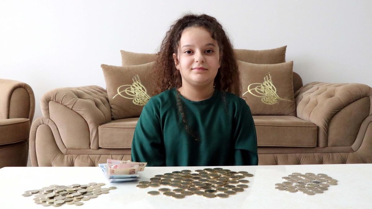 11 yaşındaki Berra umreye gitmek için biriktirdiği parayı dayanışma için bağışladı